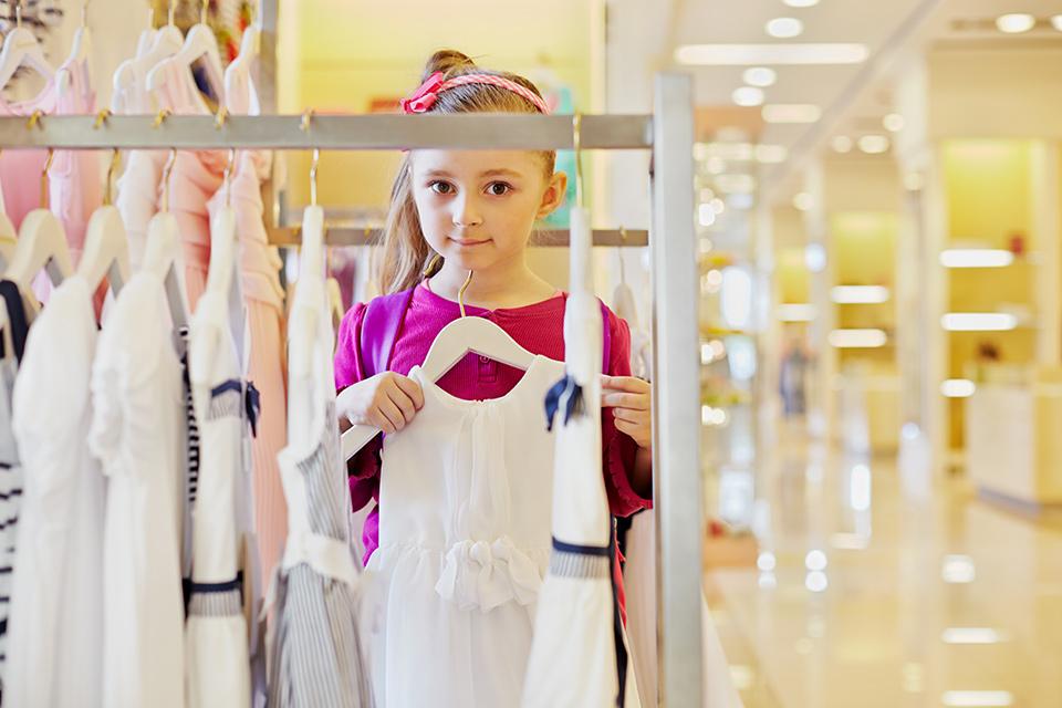 Креативная рекламная кампания для детской одежды